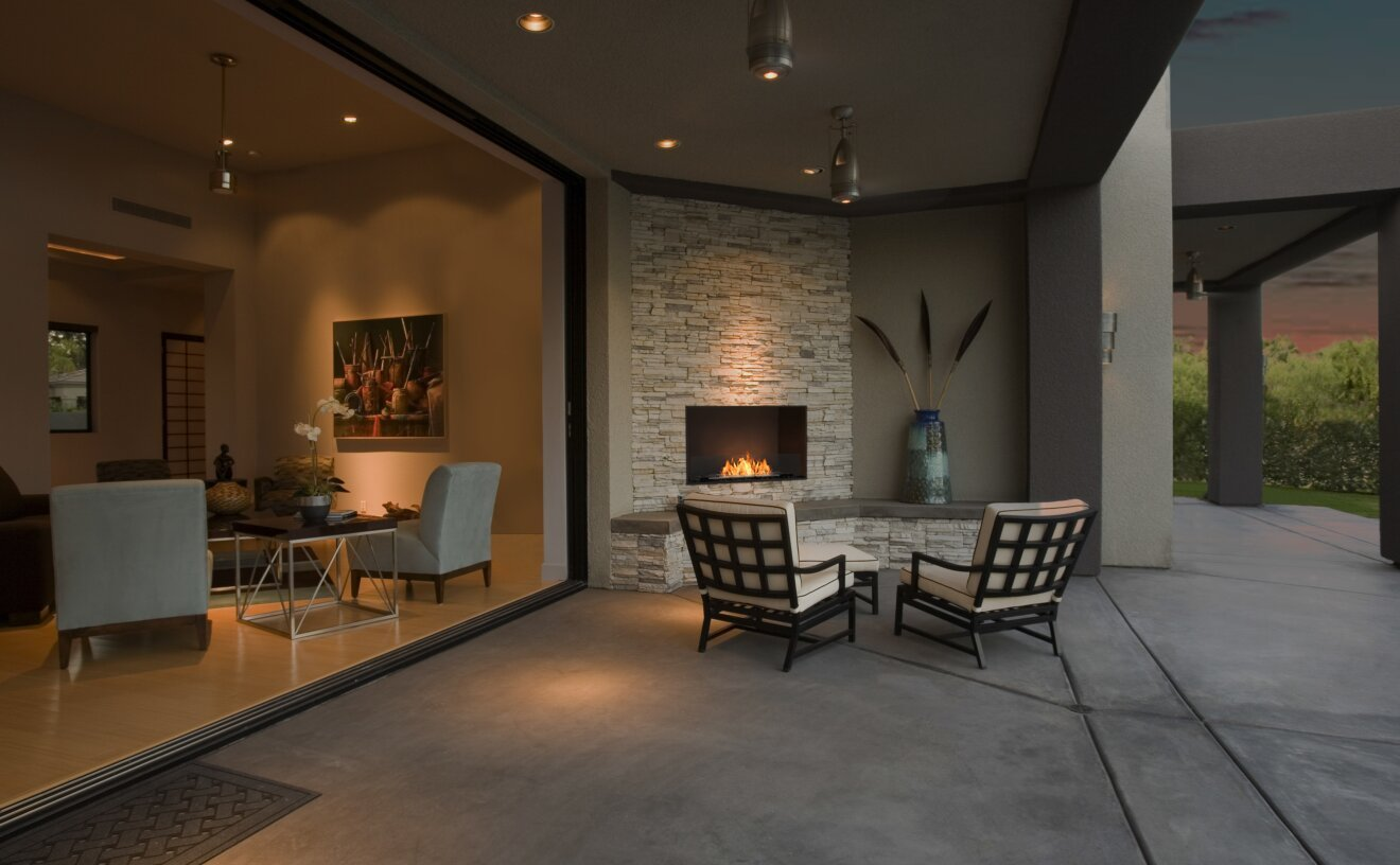 flex-32ss-single-sided-fireplace-insert-outdoor-space.jpg